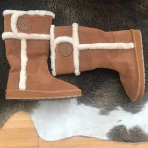 Authentic Michael Kor Size 8m UGG Style Boots